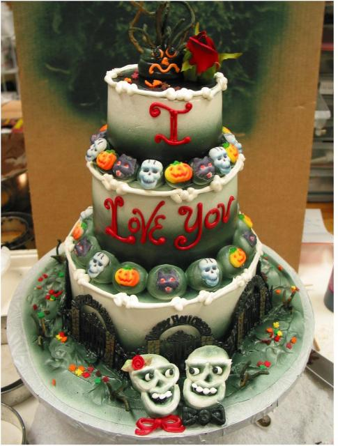 halloween weddings cakes.JPG
