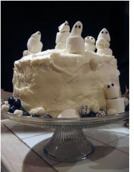 Image of ghst cake in total white.JPG