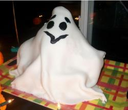 Picture of ghost cake for halloween.JPG
