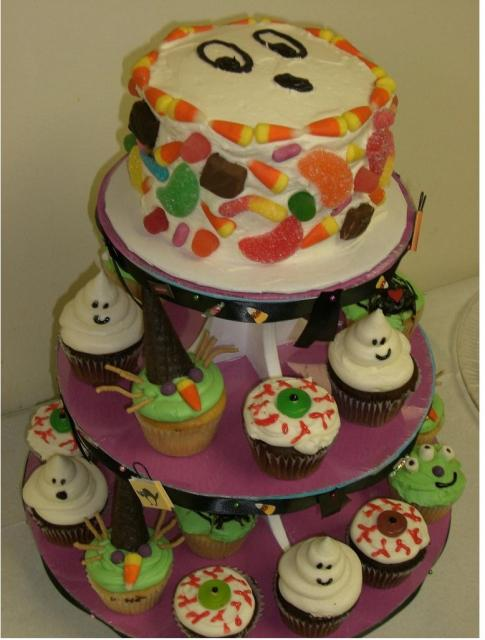 pictures of halloween cakes.JPG
