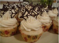 pictures of halloween cupcakes.JPG