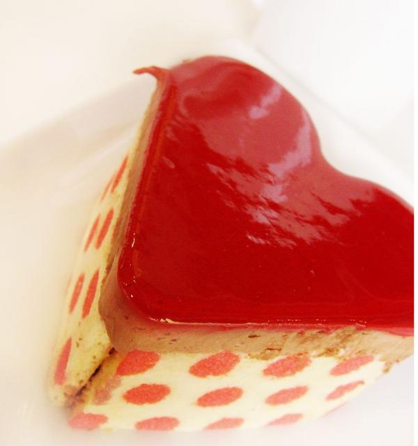 Heartshaped mini valentine cakes.JPG