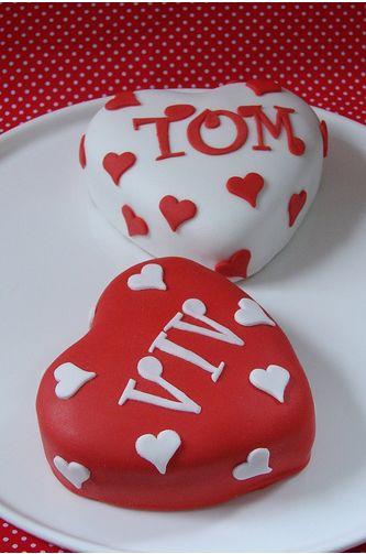 Mini Valentine Heart Cakes PictureJPG