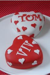 Mini Valentine Heart Cakes picture.JPG