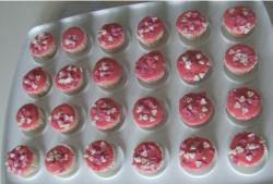 Photos of valentines cup cake in pink.JPG