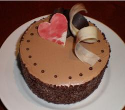 Pic of valentine cake designs.JPG