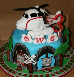 Thomas trains birthday cakes photos with Toby and Thomas and Harold cake topper.PNG