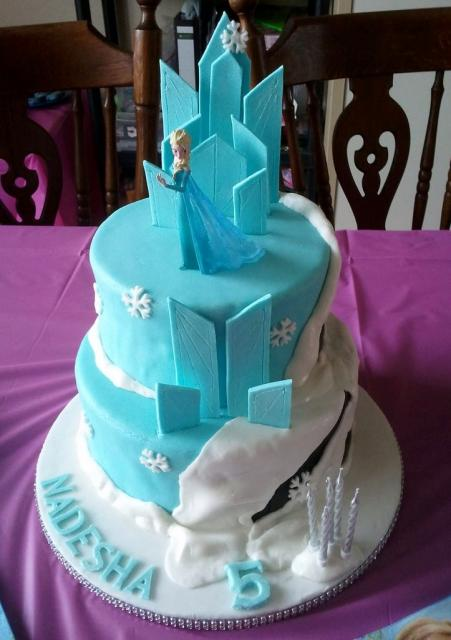 Disney Frozen theme Cake for 5 year-old Girl.JPG