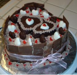 Chocolate Hearts Valentines Day Cake.JPG
