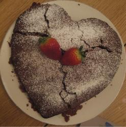 Chocolate straberry valentines cake images.JPG