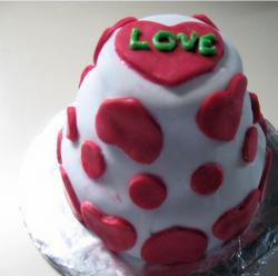 Cute cake decorating ideas for valentines.JPG