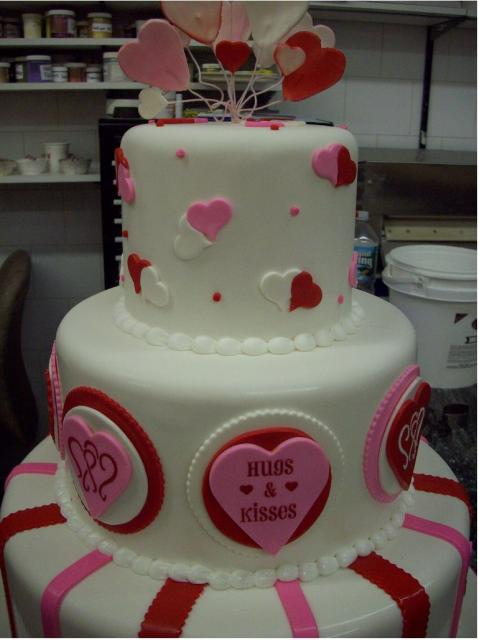 Fancy Valentine Day Cakes In White With Red And Pink Decor