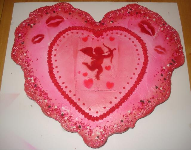 Heart shaped valentines cup cakes.JPG Hi-Res 720p HD