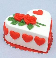 Heart valentines cake photos.JPG