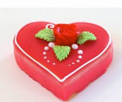 Heart valentines day cake pictures.JPG