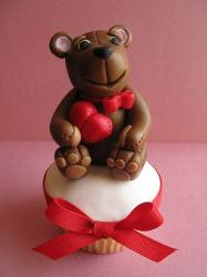 Teddy bear valentines day cake picture.JPG