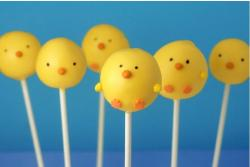 Easter Cake Pops with chicks faces.JPG