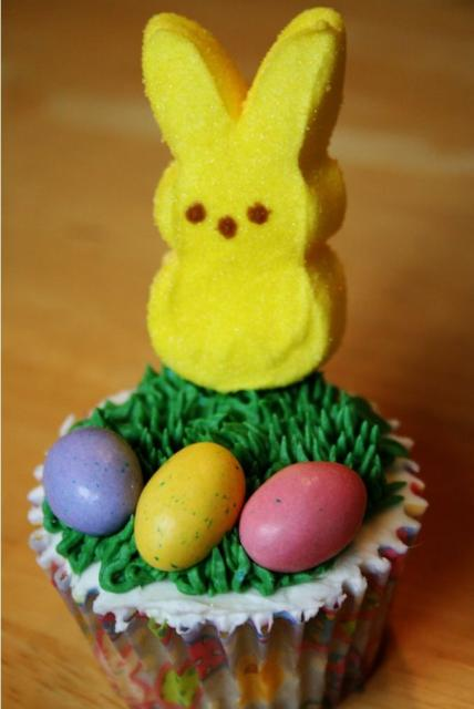 Easy easter bunny cake picture.JPG Hi-Res 720p HD