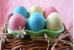 Colorful easter eggs cake phot.JPG