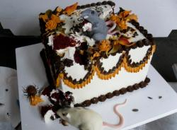 Halloween mouse and rat eating cake.JPG