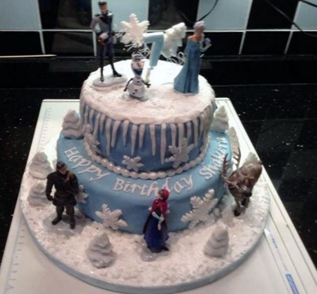 Disney Frozen theme 2 Tier Cake with Characters including Olaf & Elsa.JPG