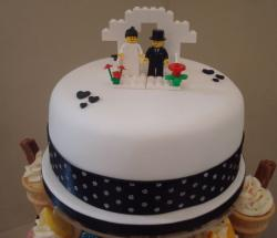 Lego wedding cake in black and white.JPG