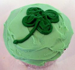 St. Patrick's Day Cupcakes with green frosting with leaf cloves pictures.JPG