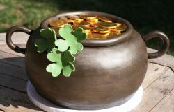 Brown pot of gold cake picture.JPG