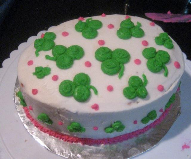 Homemade St. Patrick's cake pictures.JPG