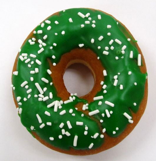 Irish donut with green frosting with white sprinkles.JPG Cake