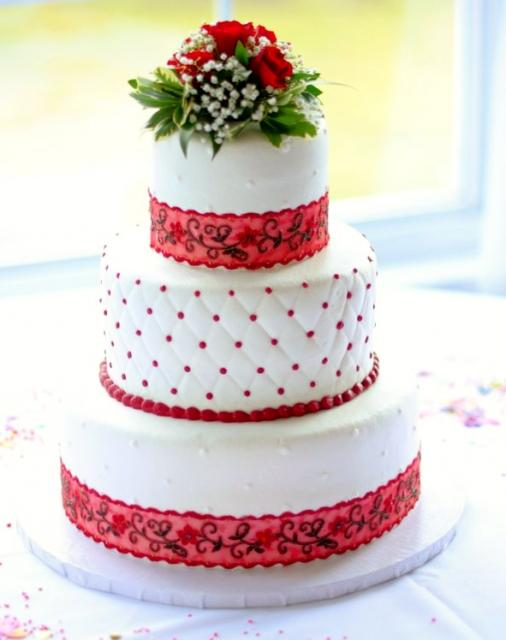 Red And White 3 Tier Wedding Cake With Fl Decor