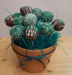 St. Patrick popcakes pictures.JPG