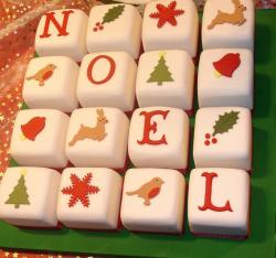 Christmas Noel cake in 16 pieces.JPG