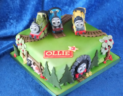 Green Thomas the trains birthday cakes images on Sodor Island with four trains.PNG