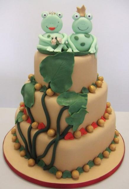 frog wedding cake toppers color three tier wedding cake with frog and 4380
