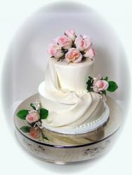 wedding cake decorations with pink roses