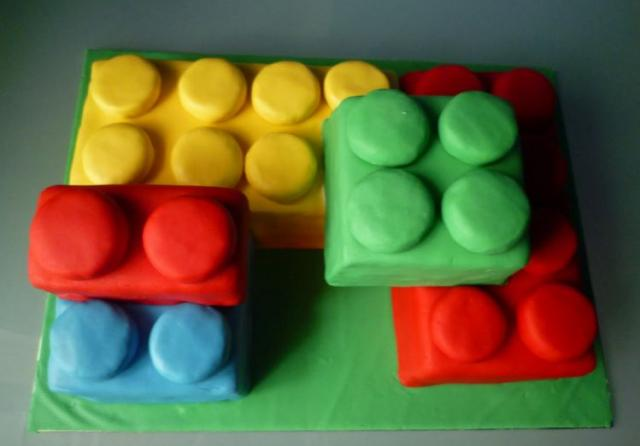 Lego cake pictures with big lego blocks.JPG