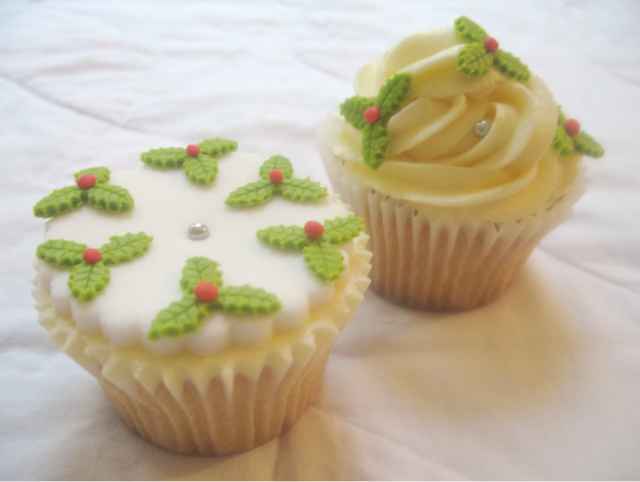 Holly Berries cupcake soft with green leaves looking so cute and pretty.PNG