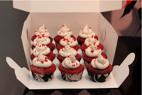 Red+Velvet+Cupcakes+with+white+toppings.