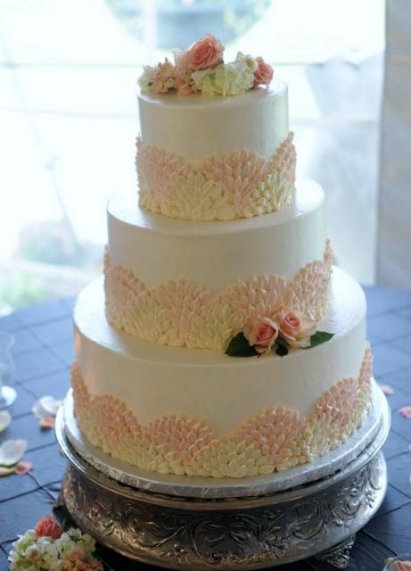 3 Tier Round White Flower Petal Theme Wedding Cake With