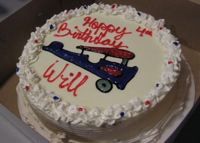 Vannilla ice cream cake with airplane theme for kids birthday cake pictures.JPG