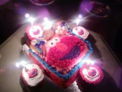 this was my first cake i decortaed for my daughters third bday