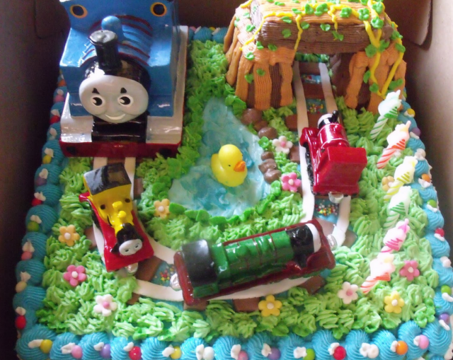 Large Kids Birthday Cake Pictures With Thomas And Friends Cake Theme