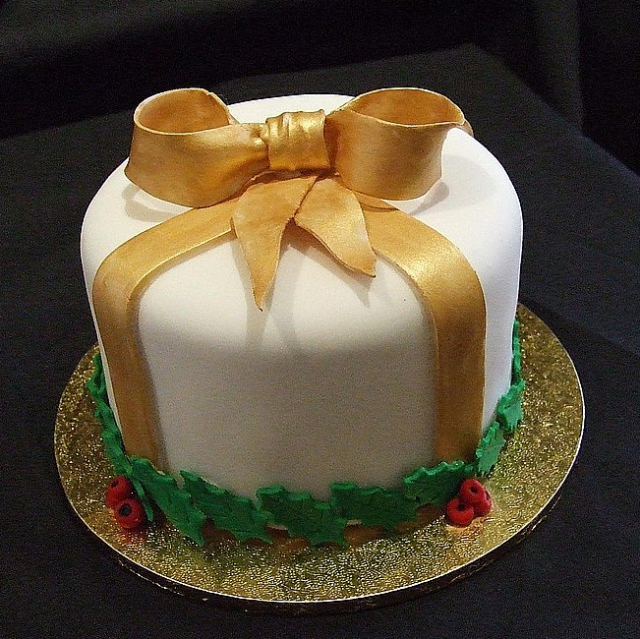 Christmas cake decoration ideas for holidays spirits.PNG