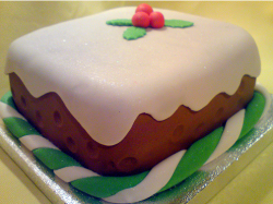 Christmas pudding cake with berries topper.PNG