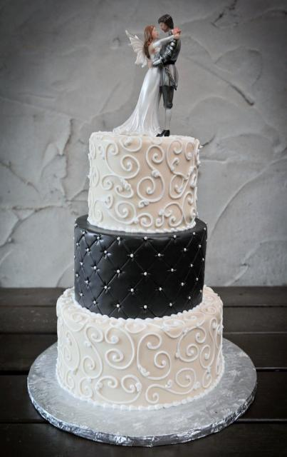 Elegant Wedding Cake In 3 Tiers With Detailed Angel Bride