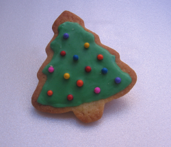 Single Christmas tree cookie with color decor.PNG