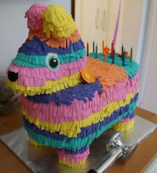 Kids birthday horse pinata cakes photos.JPG