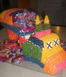 Large pinata cakes pictures.JPG