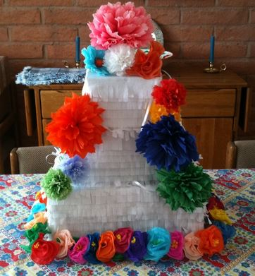 Wedding pinata cakes picture.JPG